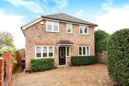 4 Bedrooms Detached House for sale in Beech Road, Chelsfield