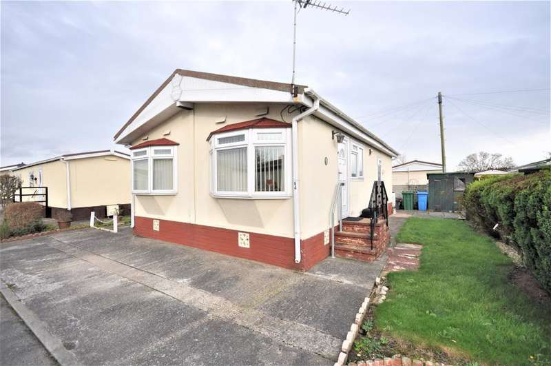 2 Bedrooms Park Home Mobile Home for sale in Lynwood Park, Warton, Preston, Lancashire, PR4 1XJ