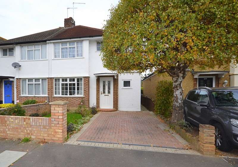 3 Bedrooms Semi Detached House for sale in Shepperton