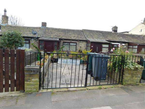 1 Bedroom Cottage House for sale in Reevy Rd, Bradford