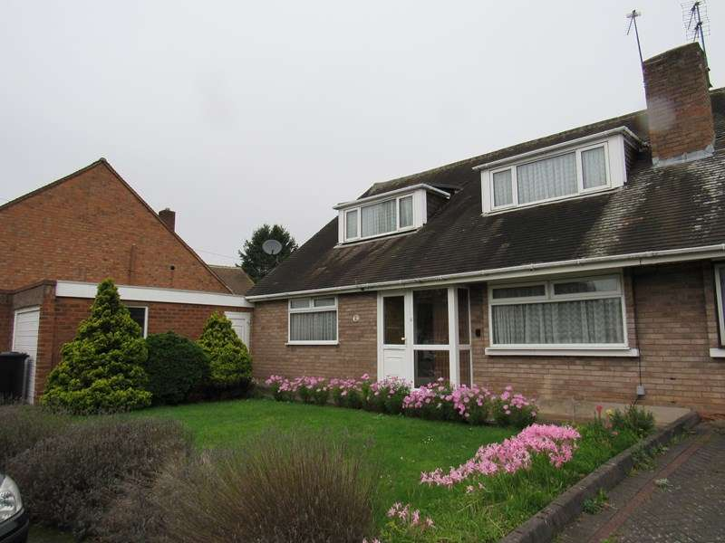 4 Bedrooms Semi Detached Bungalow for sale in Scott Grove, Olton, Solihull