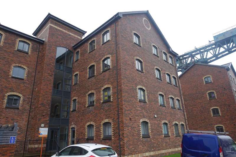 2 Bedrooms Flat for rent in James Watt Way, Greenock