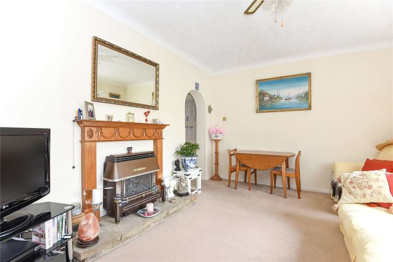 2 Bedrooms Apartment Flat for sale in North Orbital Road, Denham, Middlesex, UB9