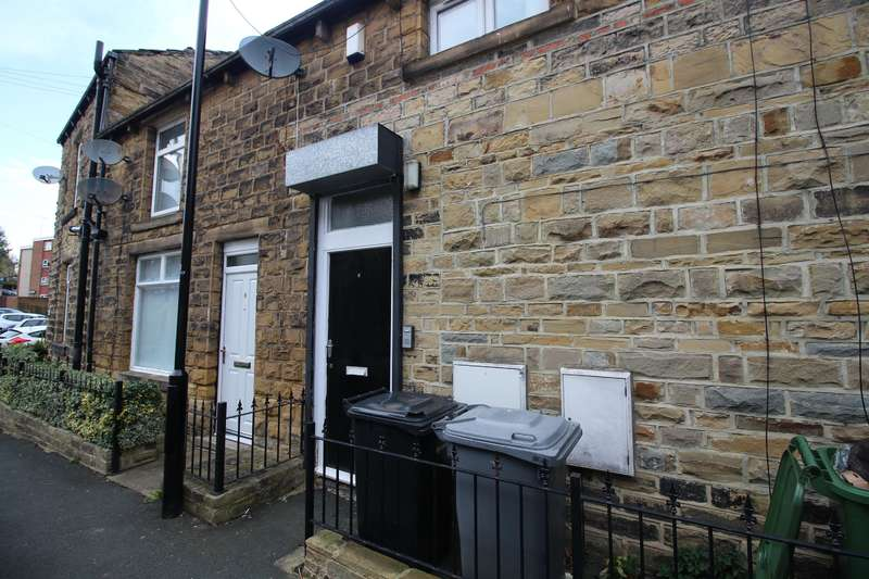 1 Bedroom Flat for sale in Well Street, Farsley