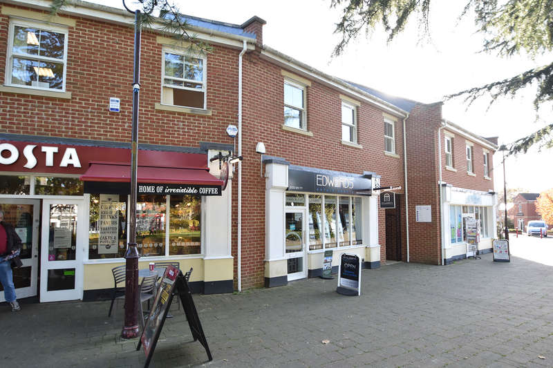 Shop Commercial for rent in Retail Unit 3, The Old Pottery, Manor Way, Verwood, DorsetBH31 6HF