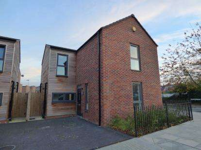 4 Bedrooms Detached House for sale in Canal Street, Derby, Derbyshire