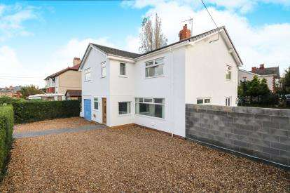3 Bedrooms Detached House for sale in Alexandra Road, Abergele, Conwy, North Wales, LL22
