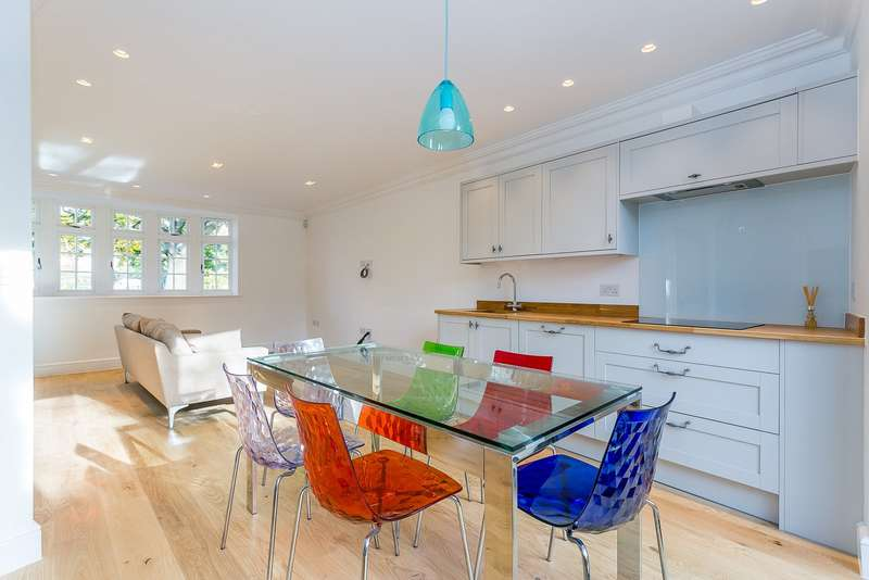 3 Bedrooms End Of Terrace House for sale in Thames Ditton