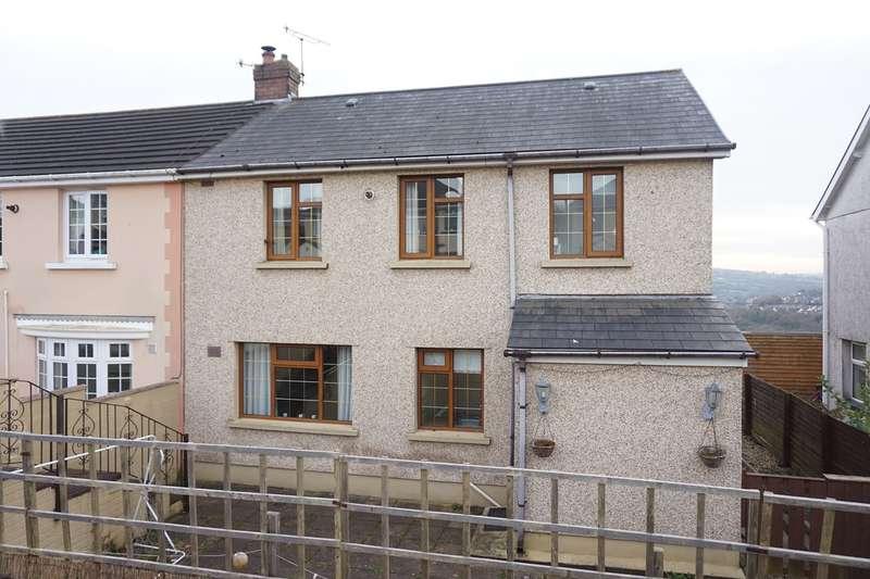 3 Bedrooms Semi Detached House for sale in Bronawelon Terrace, Crumlin, Newport, NP11