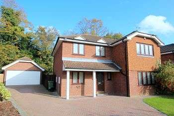 4 Bedrooms Detached House for sale in High Grove, Bromley, Kent, BR1 2WH