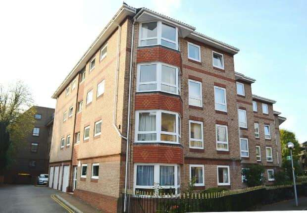 1 Bedroom Flat for sale in Ashley Avenue, Epsom
