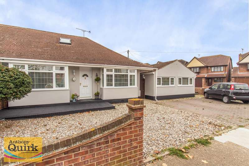 2 Bedrooms Semi Detached Bungalow for sale in Meynell Avenue, Canvey Island, SS8