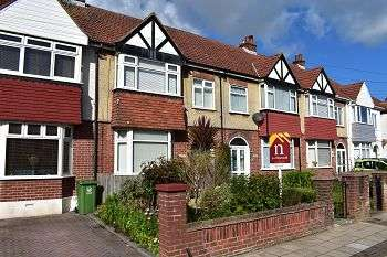 4 Bedrooms House for sale in Court Lane, East Cosham, Portsmouth, PO6 2LR