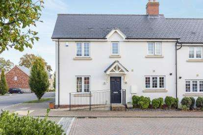 3 Bedrooms Semi Detached House for sale in Verda Place, Cheltenham, Gloucestershire, England