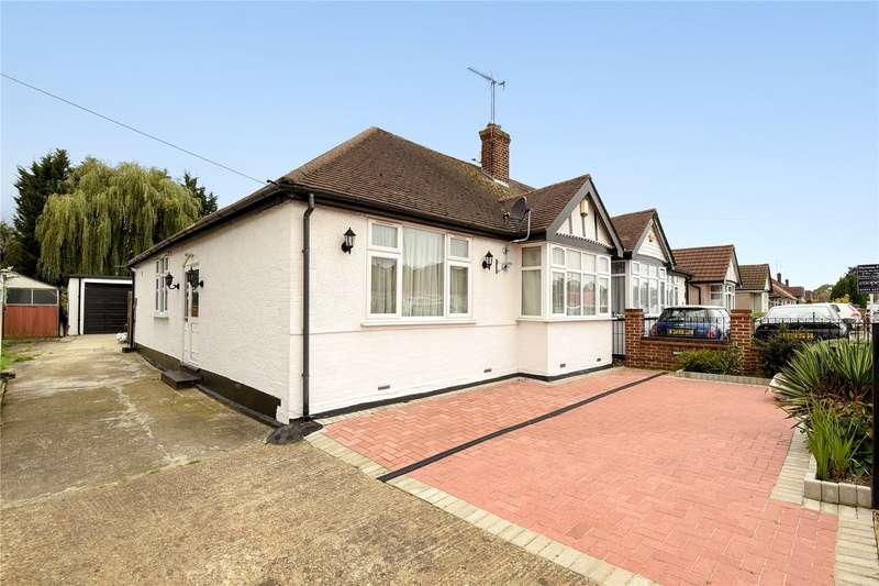3 Bedrooms Semi Detached Bungalow for sale in Herlwyn Avenue, Ruislip, Middlesex, HA4
