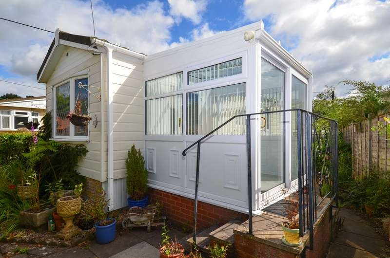 1 Bedroom Park Home Mobile Home for sale in Off Linthurst Newtown, Blackwell, Worcestershire, B60