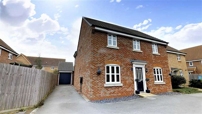 4 Bedrooms Detached House for sale in Octavian Crescent, North Hykeham, North Hykeham, Lincoln