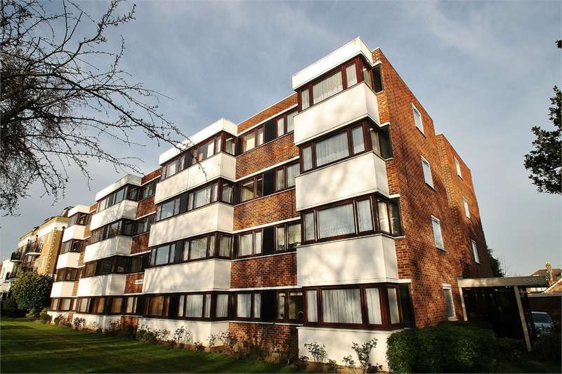 2 Bedrooms Flat for sale in Glenwood Court, SOUTH WOODFORD