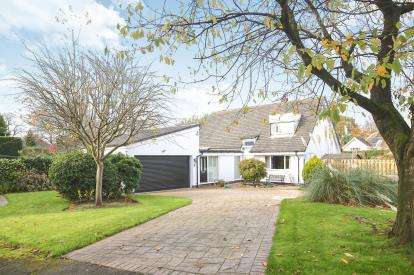 3 Bedrooms Detached House for sale in The Aspens, Cuddington, Northwich, Cheshire