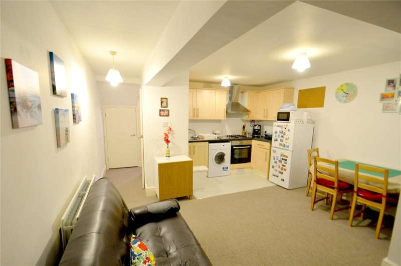 2 Bedrooms Apartment Flat for sale in Gateway Apartments, 31 Alpha Road, Croydon