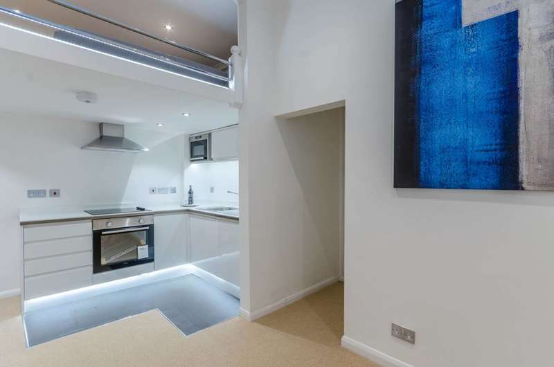 Studio Flat for sale in Frognal, Hampstead, NW3