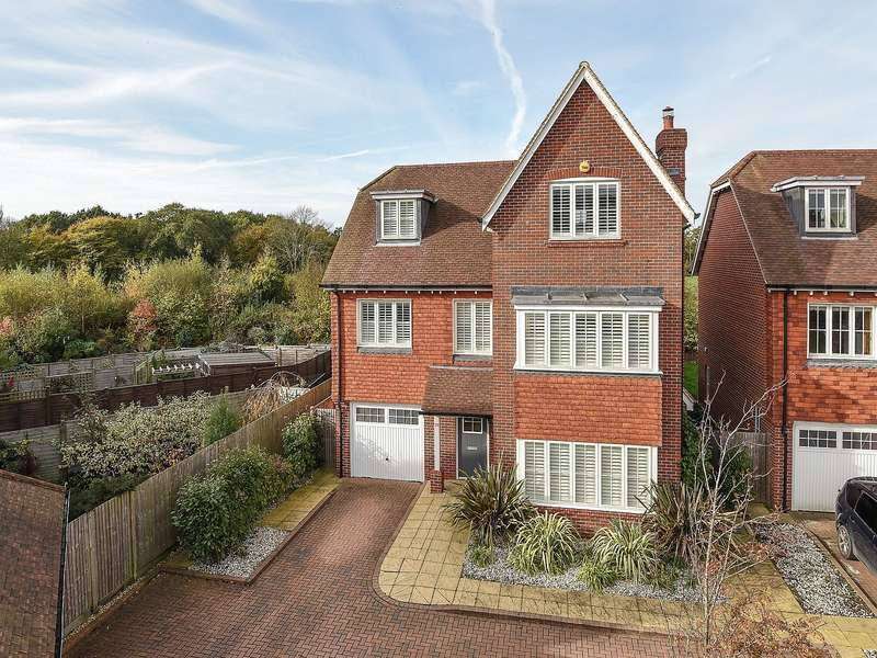 5 Bedrooms Detached House for sale in Lillywhite Road, Westhampnett, Chichester, PO18