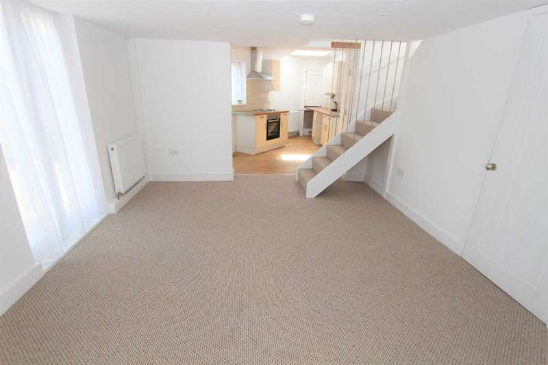 2 Bedrooms Detached Bungalow for sale in Hillside Avenue, Gravesend