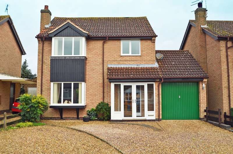 3 Bedrooms Detached House for sale in Elder Close, Bilton, Rugby