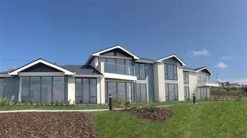 2 Bedrooms Apartment Flat for sale in Slon Lane, Ogmore-By-Sea, Bridgend