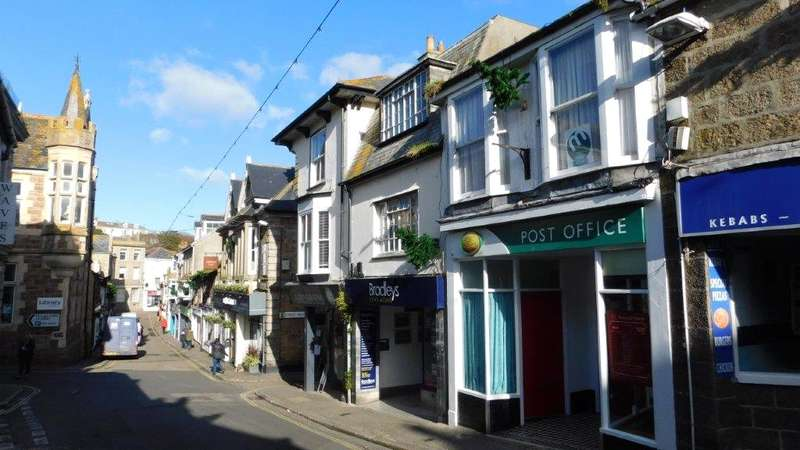 2 Bedrooms Flat for sale in Tregenna Hill, St Ives