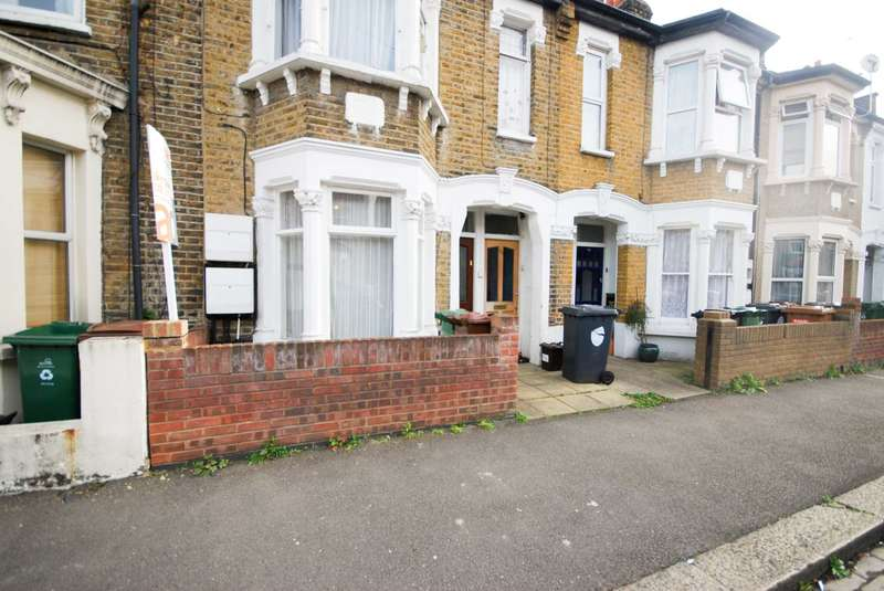 2 Bedrooms Flat for sale in Pearcroft Road, Leytonstone