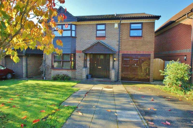 4 Bedrooms Detached House for sale in Bishops Close, Norwich