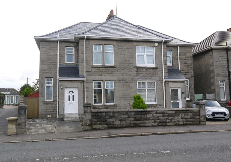 3 Bedrooms Semi Detached House for sale in Ayr Road, Prestwick, KA9