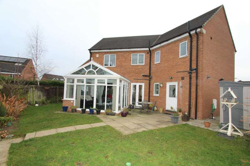 4 Bedrooms Detached House for sale in Fern View, Gomersal