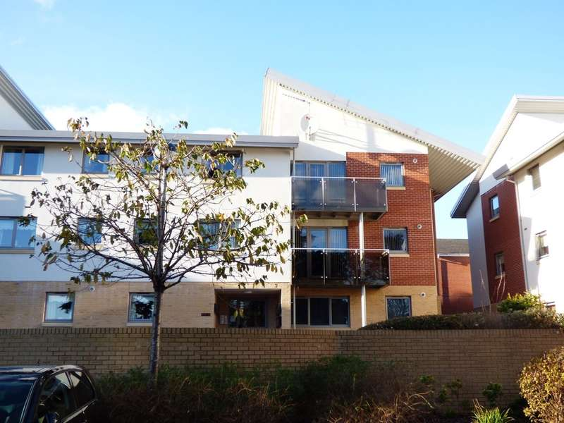 2 Bedrooms Flat for sale in Acorn Gardens, Plympton
