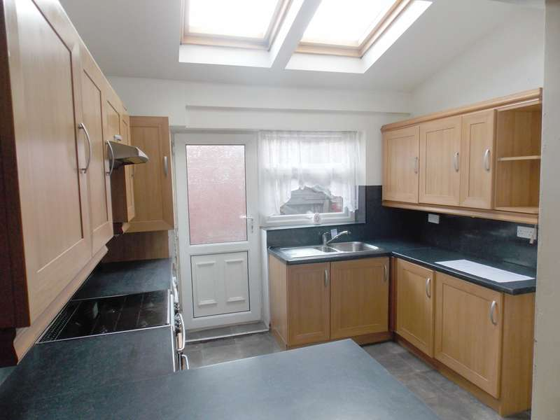 2 Bedrooms Terraced House for sale in Ainsworth Street, Bolton, BL1