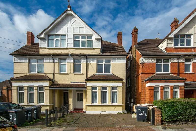 Studio Flat for sale in Westwell Road, Streatham Common, SW16