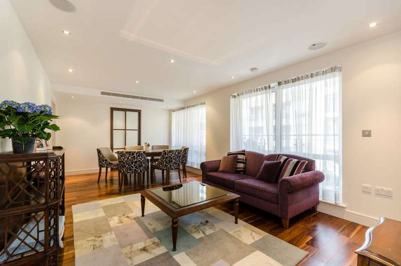 3 Bedrooms Flat for sale in Compass House, Chelsea Creek, SW6