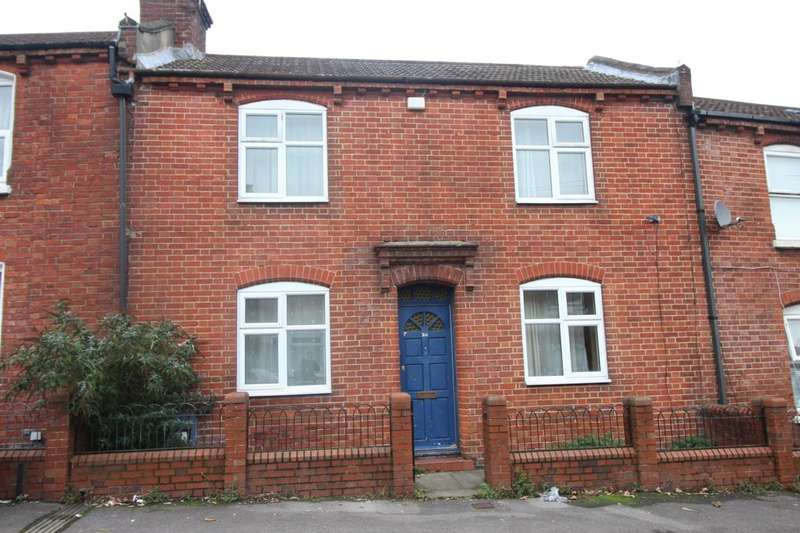 3 Bedrooms Property for sale in Blackberry Terrace, Southampton, SO14