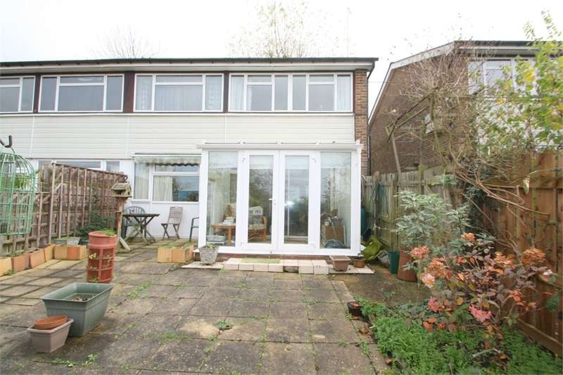 1 Bedroom Maisonette Flat for sale in Dovedale Close, Harefield, Middlesex