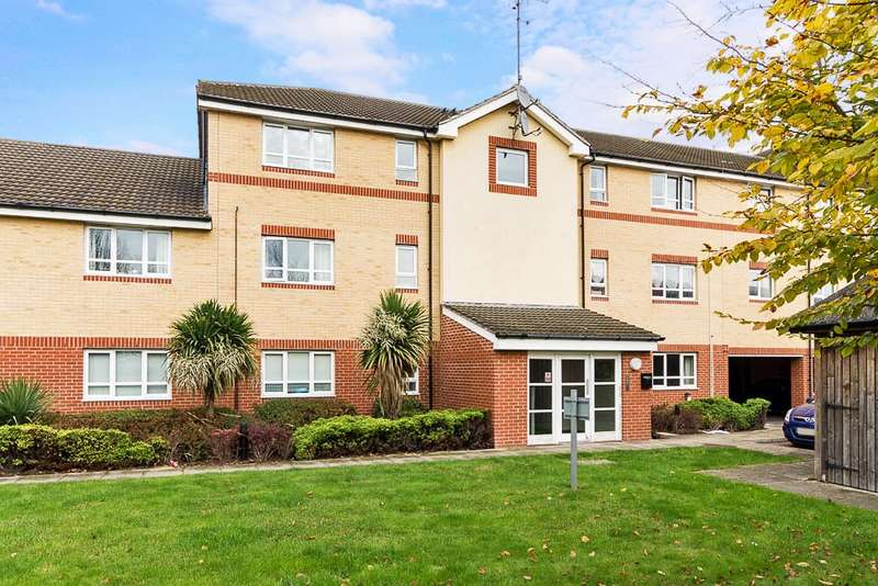 2 Bedrooms Flat for sale in Hayden Court, Chertsey Road, Feltham, TW13