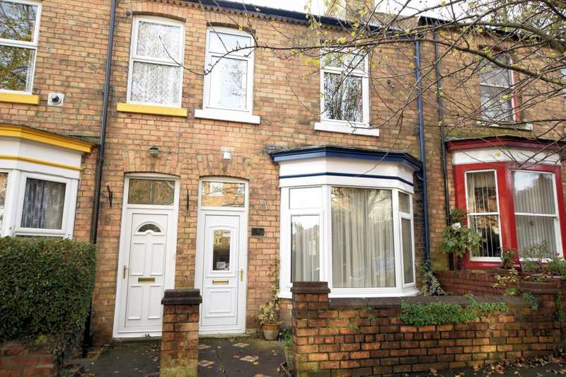 3 Bedrooms Town House for sale in West Bank, Falsgrave, Scarborough, North Yorkshire YO12 4DX
