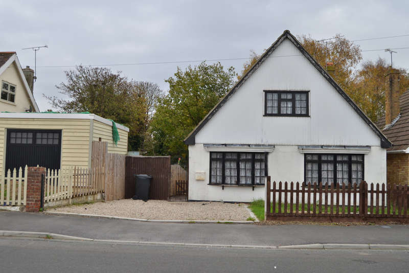 2 Bedrooms Chalet House for sale in Eastern Road, Burnham-on-Crouch