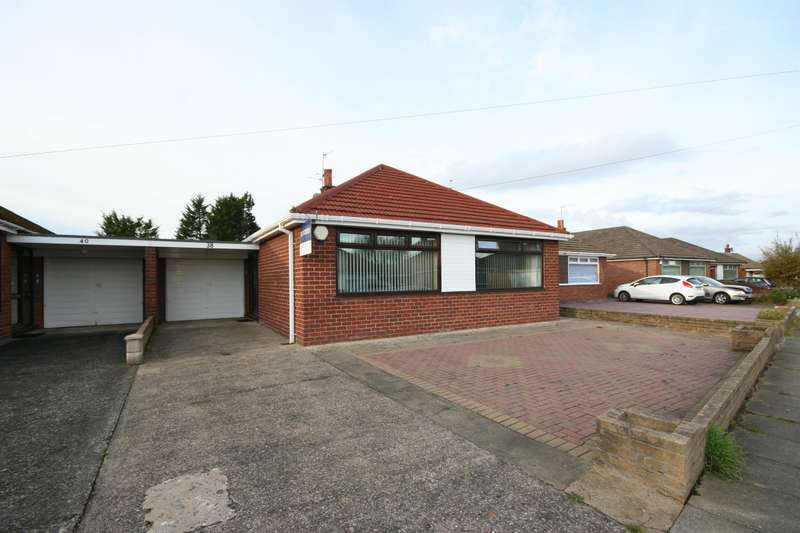 2 Bedrooms Bungalow for sale in Larkhill Avenue, Wirral, CH49 4PN
