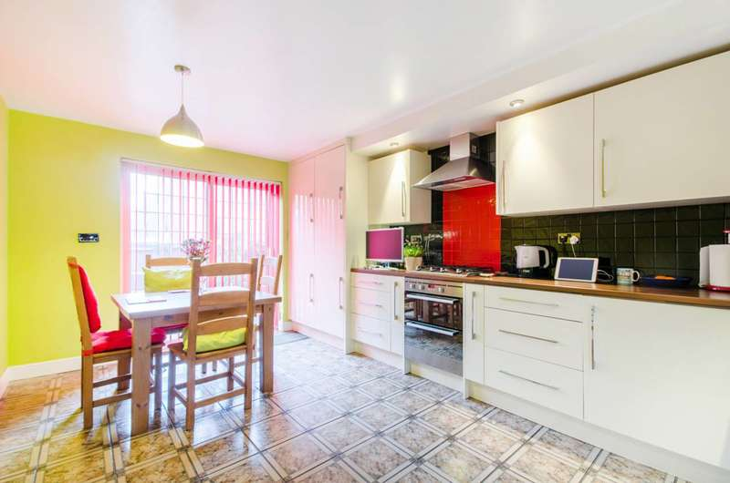 3 Bedrooms House for sale in Brabazon Street, Poplar, E14