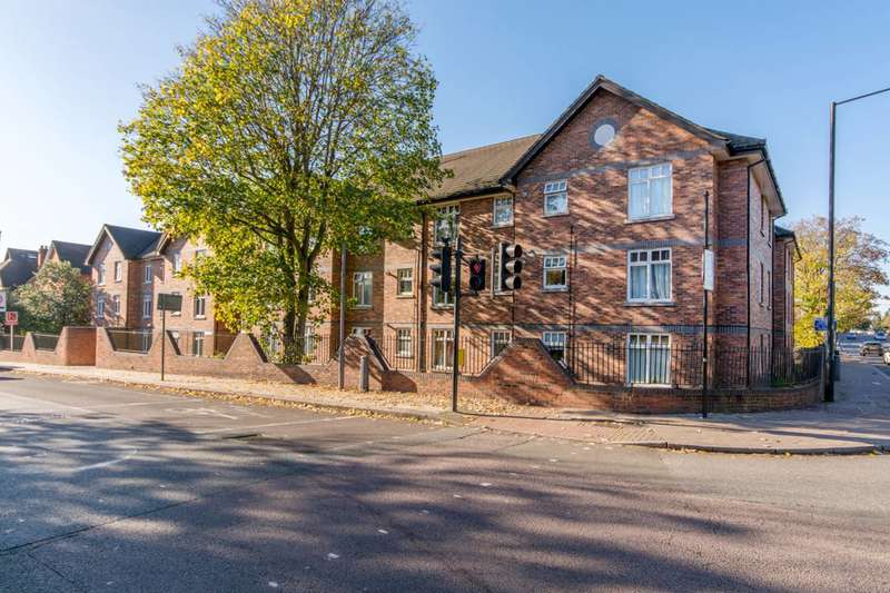 1 Bedroom Flat for sale in Leithcote Path, Streatham, SW16