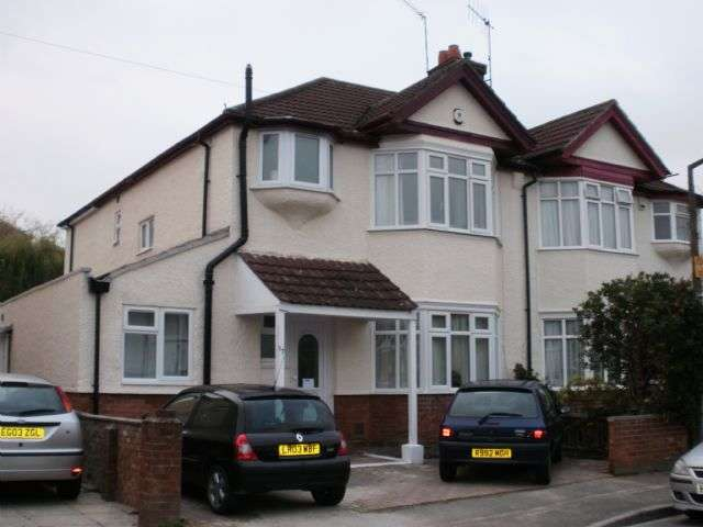 7 Bedrooms Semi Detached House for rent in Merton Road, Highfield, Southampton