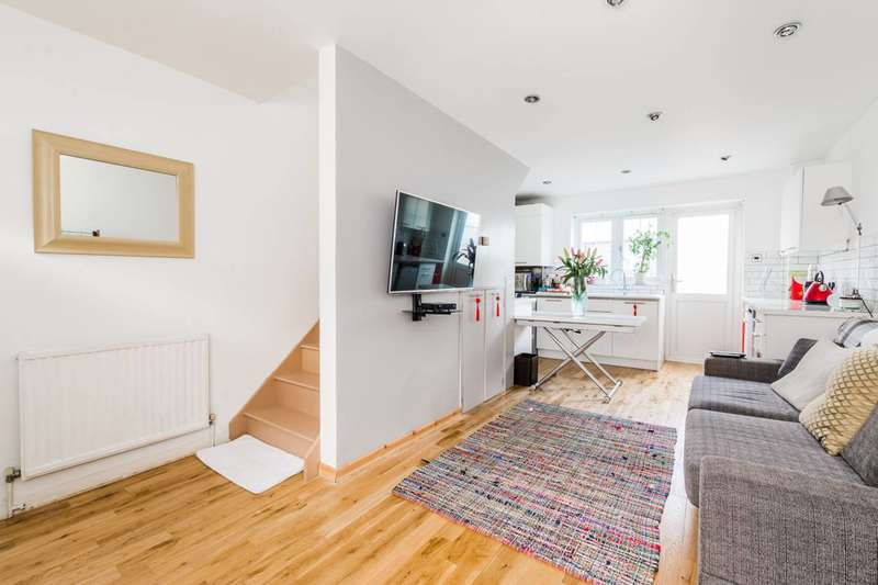 2 Bedrooms House for sale in Hatfield Road, Stratford, E15