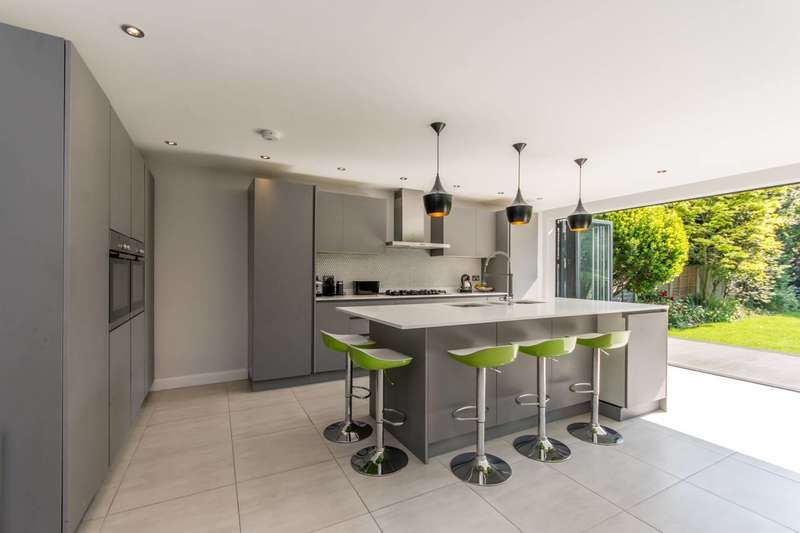 5 Bedrooms End Of Terrace House for sale in Meredith Avenue, Willesden Green, NW2