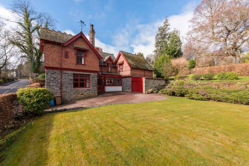 5 Bedrooms Detached House for sale in Strathpeffer, Ross-shire, Highland, IV14 9DH